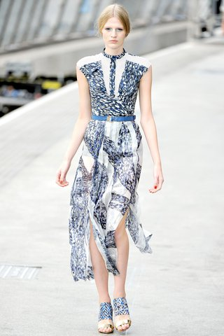 images/cast/00000432466822034=my job on fabrics peter pilotto Summer 2011